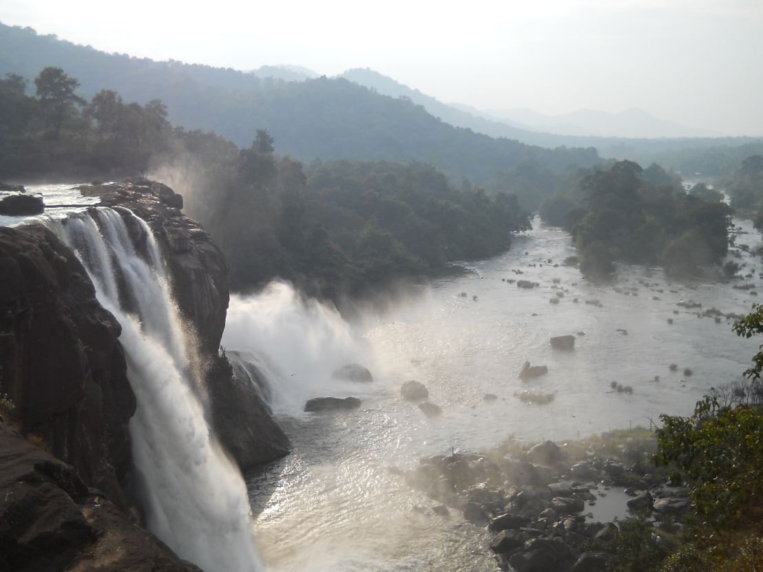 Athirapally_waterfall_1